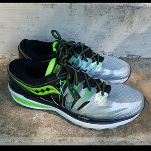 Saucony Hurricane ISO 2 Athletic Running Shoes Men